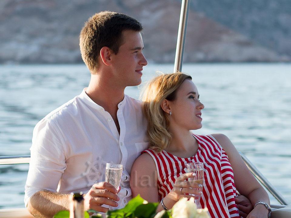 romantic yacht trips in crimea